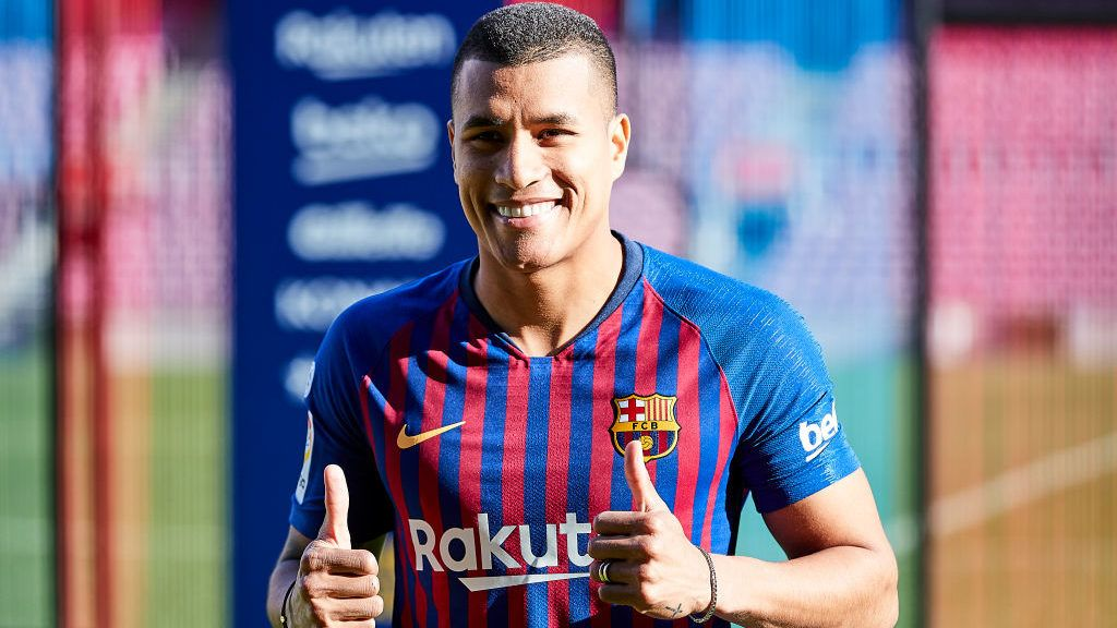 BARCELONA, SPAIN - DECEMBER 27: Jeison Murillo poses during his presentation as new player of FC Barcelona at Nou Camp on December 27, 2018 in Barcelona, Spain. (Photo by Quality Sport Images/Getty Images)