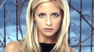 """1999 Sarah Michelle Gellar Stars In """"Buffy The Vampire Slayer.""""  (Photo By Getty Images)"""