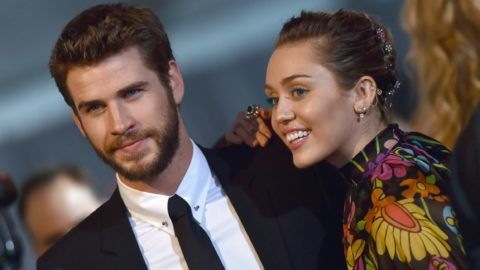 LOS ANGELES, CA - OCTOBER 10:  Actor Liam Hemsworth and singer Miley Cyrus arrive at the premiere of Disney and Marvel's 'Thor: Ragnarok' at the El Capitan Theatre on October 10, 2017 in Los Angeles, California.  (Photo by Axelle/Bauer-Griffin/FilmMagic)