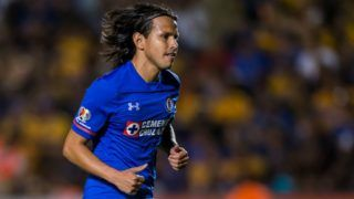 MONTERREY, MEXICO - APRIL 14: Gerardo Flores of Cruz Azul leaves the field after receiving a red card during the 15th round match between Tigres UANL and Cruz Azul as part of the Torneo Clausura 2018 Liga MX at Universitario Stadium on April 14, 2018 in Monterrey, Mexico. (Photo by Azael Rodriguez/Getty Images)