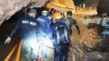 """This handout video grab taken from footage released by the Royal Thai Navy on July 11, 2018 shows rescue personnel during the rescue operation for members of the """"Wild Boars"""" Thai youth football team inside the Tham Luang cave in Khun Nam Nang Non Forest Park in Mae Sai district. - The 12 boys rescued from a Thai cave were passed """"sleeping"""" on stretchers through the treacherous passageways, a former Thai Navy SEAL told AFP on July 11, giving the first clear details of an astonishing rescue mission that has captivated the world. (Photo by Handout / ROYAL THAI NAVY / AFP) / RESTRICTED TO EDITORIAL USE - MANDATORY CREDIT """"AFP PHOTO / Royal Thai Navy """" - NO MARKETING NO ADVERTISING CAMPAIGNS - DISTRIBUTED AS A SERVICE TO CLIENTS"""