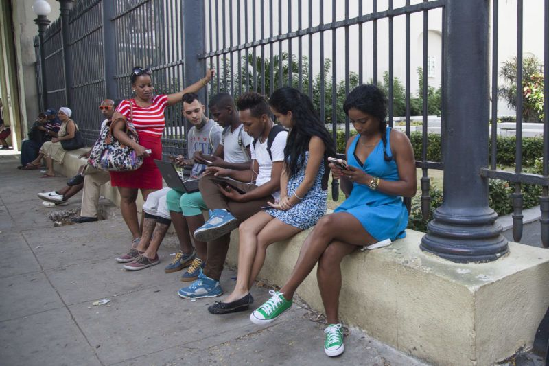 The Internet in Cuba is problematic, expensive and controlled by the government. Despite the recent infiltration of Wi-Fi networks in the Caribbean nation, only 5% of the Cuban people can access the Internet. Since technological backwardness has always made it difficult, the connection has been restricted to certain professions: officials, military, doctors, engineers, artists, academics, journalists and tourists. (Photo by Alvaro Fuente/NurPhoto)
