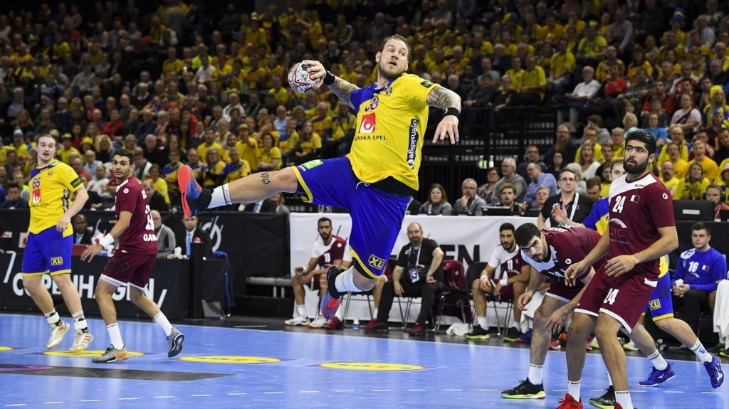 Sweden's Andreas Nilsson jumps to throw the ball during the IHF Men's World Championship 2019 Group D handball match between Qatar and Sweden at the Royal Arena in Copenhagen on January 16, 2019. (Photo by Jonathan NACKSTRAND / AFP)