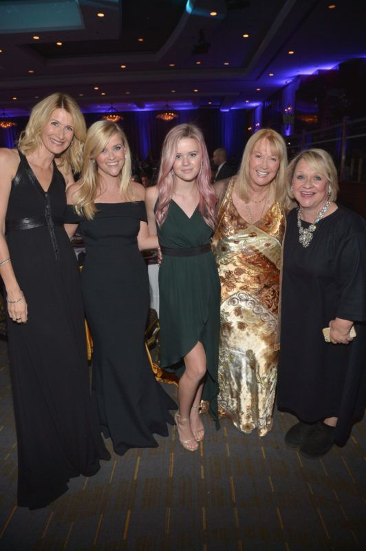 LOS ANGELES, CA - OCTOBER 30:  (L-R) Actress Laura Dern, honoree Reese Witherspoon, Ava Phillippe, actress Diane Ladd, and Betty Reese attend with FIJI Water at 29th American Cinematheque Awards honoring Reese Witherspoon on October 30, 2015 in Los Angeles, California.  (Photo by Charley Gallay/Getty Images for FIJI Water)