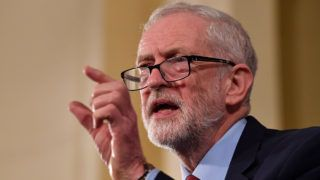 """Britain's opposition Labour party leader Jeremy Corbyn  gives a speech in Hastings, southeast England on January 17, 2019. - Prime Minister Theresa May must """"ditch the red lines"""" on Brexit after the defeat of the plan she had agreed with the EU, opposition Labour leader Jeremy Corbyn said on Thursday. """"Theresa May has to ditch the red lines and get serious about proposals for the future,"""" Corbyn said, adding that he was """"open to discussions"""" with May on a compromise as long as she ruled out the possibility of a no-deal Brexit. (Photo by Ben STANSALL / AFP)"""