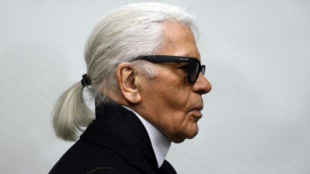 dpatop - FILED - 14 February 2014, North Rhine-Westphalia, Essen: Fashion designer Karl Lagerfeld goes through an exhibition at the Museum Folkwang. The German fashion designer Karl Lagerfeld has died. Chanel announced this on 19.02.2019 in Lagerfeld's birthplace Hamburg. Photo: Caroline Seidel/dpa