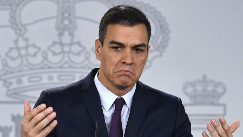 Spanish Prime Minister Pedro Sanchez holds a press conference after a cabinet meeting at the Moncloa Palace in Madrid on February 15, 2019. - Eight months after ousting his rival and taking power in Spain, Sanchez was forced to call early elections, the latest in a series of setbacks for the survivor politician. (Photo by PIERRE-PHILIPPE MARCOU / AFP)