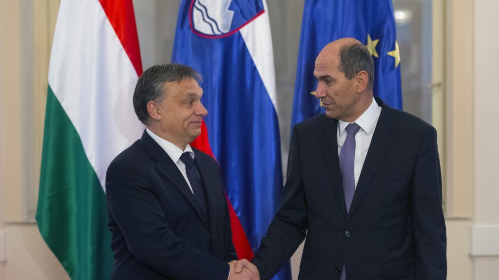 Slovenian Prime Minister Janez Jansa (R) shakes hands with his Hungarian counterpart Viktor Orban prior to their meeting on November 26, 2012 in Ljubljana. AFP PHOTO JURE MAKOVEC (Photo by Jure Makovec / AFP)