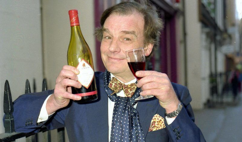 British Cook,  Restaurateur,  Broadcaster and Journalist Keith Floyd Launching his new BBC TV series 'Floyd on Oz', 03.04.1991. (Photo by Photoshot/Getty Images)