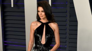 BEVERLY HILLS, CALIFORNIA - FEBRUARY 24: Kendall Jenner attends 2019 Vanity Fair Oscar Party Hosted By Radhika Jones - Arrivals at Wallis Annenberg Center for the Performing Arts on February 24, 2019 in Beverly Hills, California. (Photo by Daniele Venturelli/WireImage)