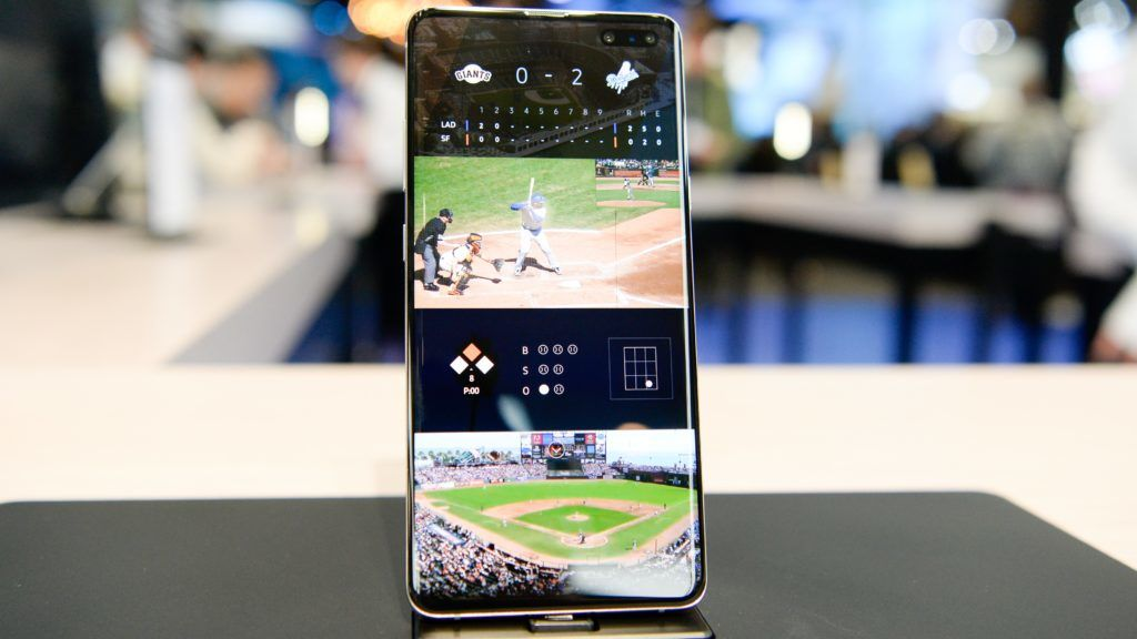 BARCELONA, SPAIN - FEBRUARY 27: New Samsung's Galaxy S10 smartphone is displayed at the Mobile World Congress in Barcelona, Spain on February 27, 2019. Adria Puig / Anadolu Agency
