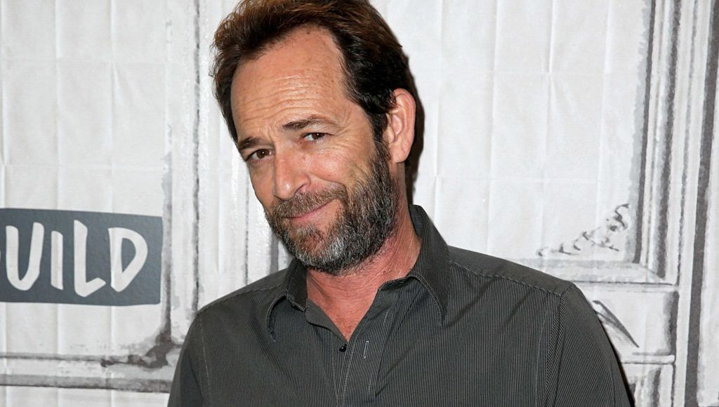 """NEW YORK, NY - OCTOBER 08:  Luke Perry attends the Build Series to discuss """"Riverdale"""" at Build Studio on October 8, 2018 in New York City.  (Photo by Dominik Bindl/Getty Images)"""