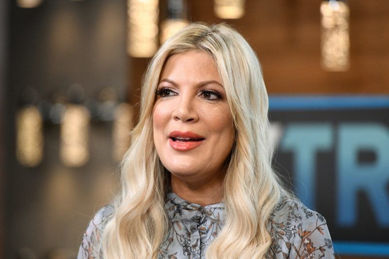 """UNIVERSAL CITY, CALIFORNIA - JANUARY 31: Tori Spelling visits """"Extra"""" at Universal Studios Hollywood on January 31, 2019 in Universal City, California. (Photo by Noel Vasquez/Getty Images)"""