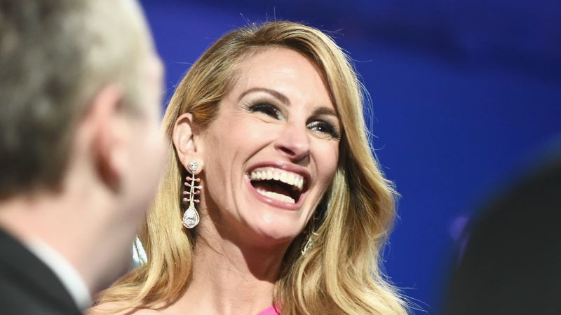 HOLLYWOOD, CA - FEBRUARY 24:  In this handout provided by A.M.P.A.S., Julia Roberts poses backstage during the 91st Annual Academy Awards at the Dolby Theatre on February 24, 2019 in Hollywood, California.  (Photo by Matt Petit - Handout/A.M.P.A.S. via Getty Images)