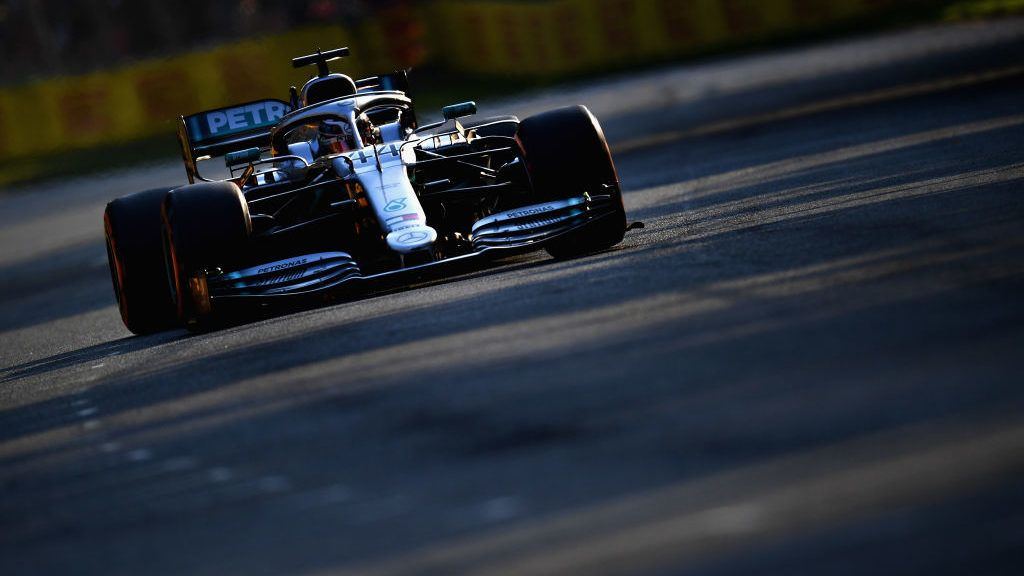 MELBOURNE, AUSTRALIA - MARCH 16: Lewis Hamilton of Great Britain driving the (44) Mercedes AMG Petronas F1 Team Mercedes W10 on track during qualifying for the F1 Grand Prix of Australia at Melbourne Grand Prix Circuit on March 16, 2019 in Melbourne, Australia.  (Photo by Clive Mason/Getty Images)