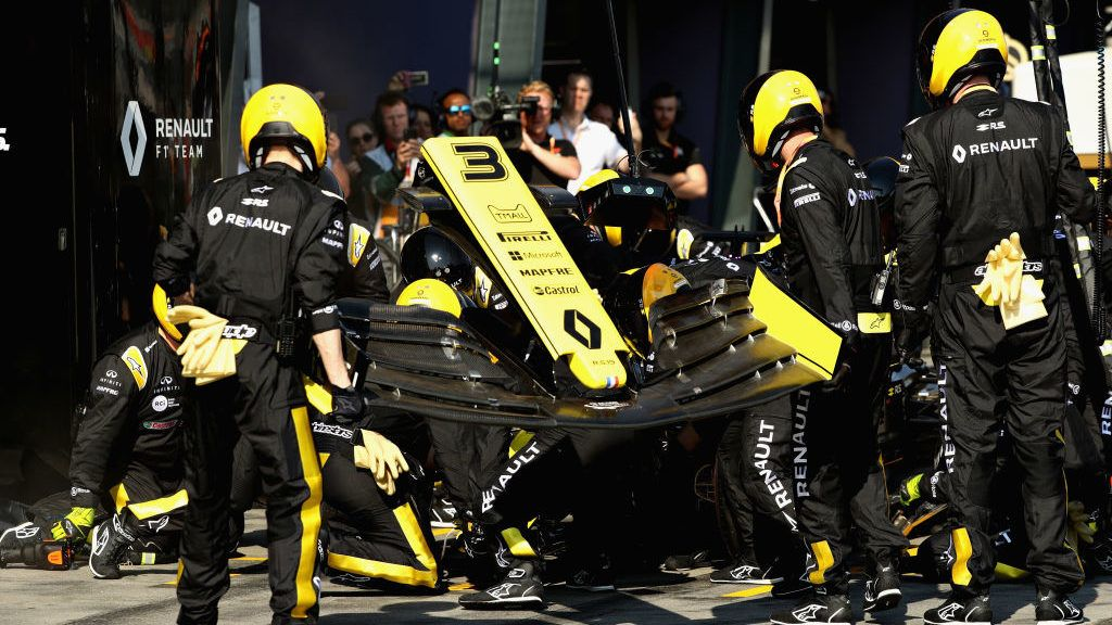 MELBOURNE, AUSTRALIA - MARCH 17:  Daniel Ricciardo of Australia driving the (3) Renault Sport Formula One Team RS19 makes a pit stop during the F1 Grand Prix of Australia at Melbourne Grand Prix Circuit on March 17, 2019 in Melbourne, Australia.  (Photo by Robert Cianflone/Getty Images)
