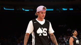 NEW YORK, NY - AUGUST 13:  Justin Bieber attends 2017 Aces Charity Celebrity Basketball Game at Madison Square Garden on August 13, 2017 in New York City.  (Photo by Shareif Ziyadat/Getty Images)