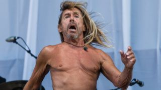 LONDON, ENGLAND - JUNE 30: (EDITORIAL USE ONLY) Iggy Pop performs live on stage at Finsbury Park on June 30, 2018 in London, England. (Photo by Brian Rasic/WireImage)