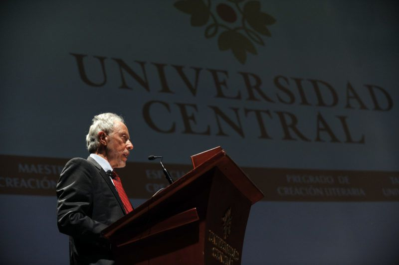 South African writer J. M. Coetzee, Nobel Prize for Literature in 2003, reads an unpublished literary text during the inauguration of the First International Author Seminar at Central University in Bogota, Colombia, on April 8, 2013. AFP PHOTO/Guillermo Legaria (Photo by GUILLERMO LEGARIA / AFP)