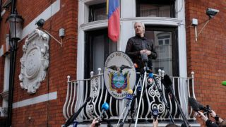 Julian Assange speaks to the media from the balcony of the Embassy Of Ecuador on May 19, 2017 in London, England. Julian Assange, founder of the Wikileaks website that published US Government secrets, has been wanted in Sweden on charges of rape since 2012. He sought asylum in the Ecuadorian Embassy in London and today police have said he will still face arrest if he leaves. (Photo by Jay Shaw Baker/NurPhoto)