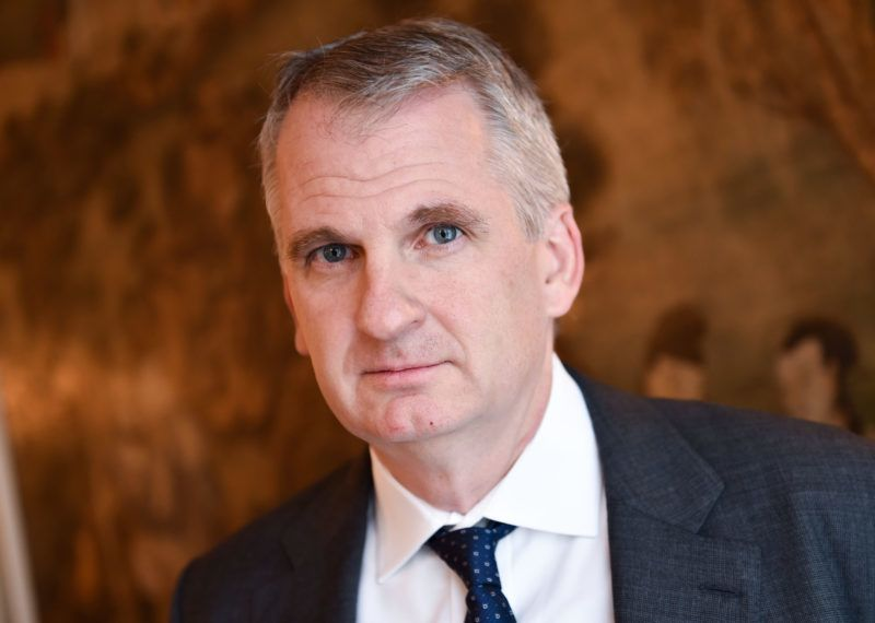 US historian Timothy Snyder poses during a press conference in Frankfurt am Main, Germany, 16 October 2015. Snyder presented his book 'Black Earth: The Holocaust as History and Warning.' Photo: ARNE DEDERT/dpa
