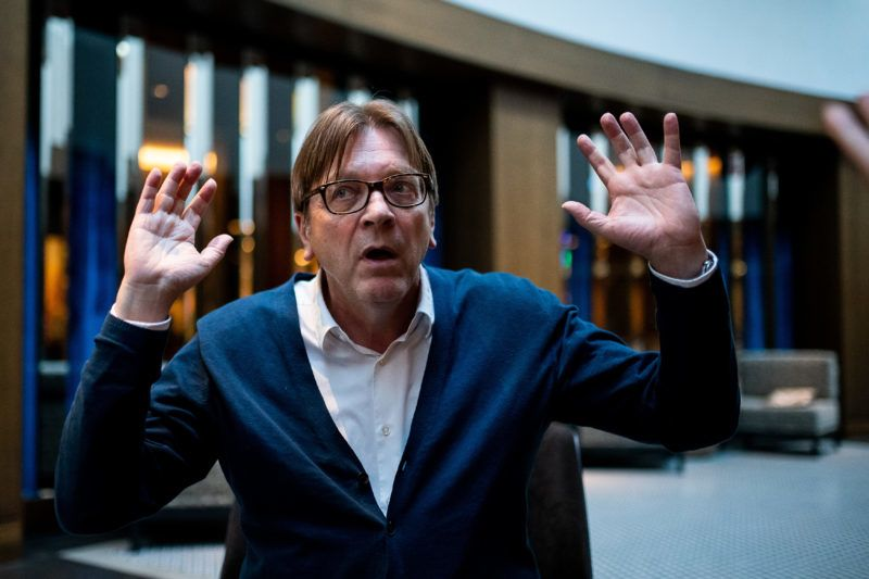 Image: 73896609, Guy Verhofstadt interjú, Place: Budapest, Hungary, Model Release: No or not aplicable, Property Release: Yes, Credit: smagpictures.com