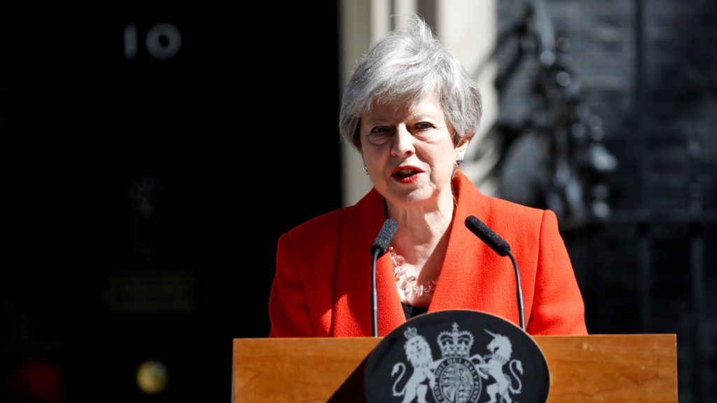 Britain's Prime Minister Theresa May announces her resignation outside 10 Downing street in central London on May 24, 2019. - Beleaguered British Prime Minister Theresa May announced on Friday that she will resign on June 7, 2019 following a Conservative Party mutiny over her remaining in power. (Photo by Tolga AKMEN / AFP)
