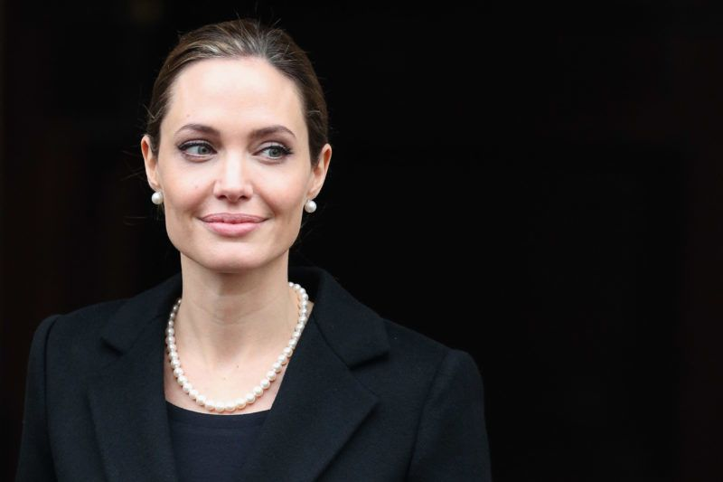 LONDON, ENGLAND - APRIL 11:  Actress Angelina Jolie leaves Lancaster House after attending the G8 Foreign Minsters' conference on April 11, 2013 in London, England. G8 Foreign Ministers are holding a two day meeting where they will discuss the situation in the Middle East; including Syria and Iran, security and stability across North and West Africa, Democratic People's Republic of Korea and climate change. British Foreign Secretary William Hague will also highlight five key policy priorities.  (Photo by Oli Scarff/Getty Images)