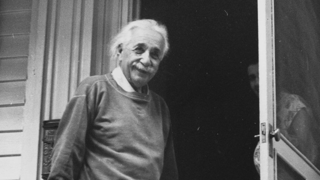 1950:  German-Swiss-American mathematical atomic physicist and Nobel prizewinner Albert Einstein (1879  - 1955) at home in Princeton, USA.  (Photo by Doreen Spooner/Keystone Features/Getty Images)