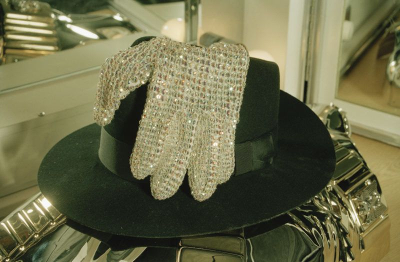 American singer Michael Jackson's fedora hat and gloves backstage in Bremen during the HIStory World Tour, 1997. (Photo by Dave Hogan/Getty Images)