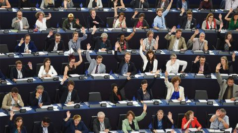 Members of the European Parliament take part in a voting session during a plenary session at the European Parliament on July 18, 2019 in Strasbourg, eastern France. (Photo by FREDERICK FLORIN / AFP)