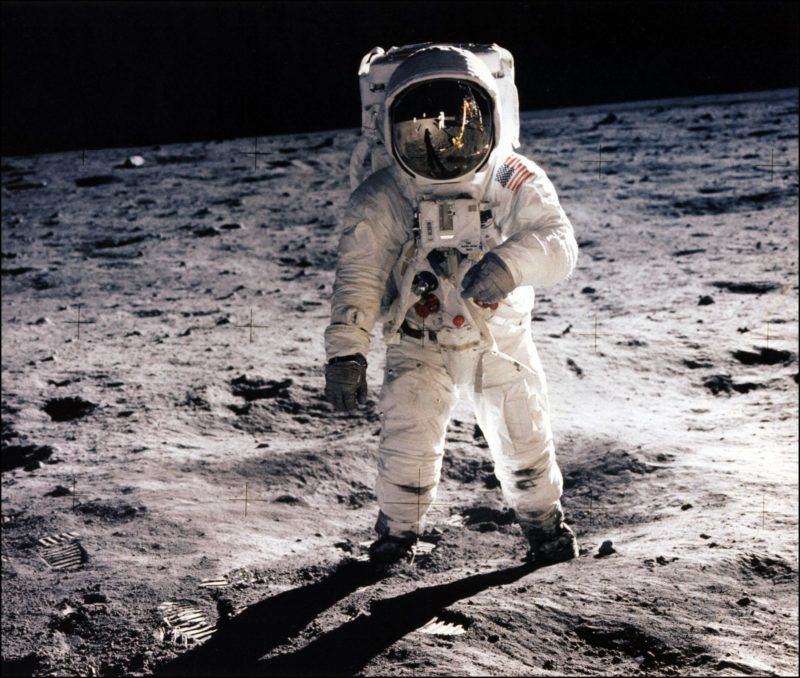 This picture taken 20 July, 1969, of astronaut Buzz Aldrin walking on the surface of the moon. The United States will send four astronauts to the moon by 2020, NASA administrator Michael Griffin said Monday.  AFP PHOTO/NASA (Photo by NASA / NASA / AFP)