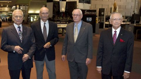This NASA handout photo shows(L-R) on the eve of the fortieth anniversary of Apollo 11's first human landing on the Moon, Apollo 11 crew members, Buzz Aldrin, Michael Collins, Neil Armstrong and NASA Mission Control creator and former NASA Johnson Space Center director Chris Kraft, gathered at the National Air and Space Museum in Washington, on July 19, 2009.  The four were speakers at the Museum's 2009 John H. Glenn lecture in space history.  AFP PHOTONASA/Bill Ingalls/HANDOUT/RESTRICTED TO EDITORIAL USE =GETTY OUT= (Photo by BILL INGALLS / NASA / AFP)