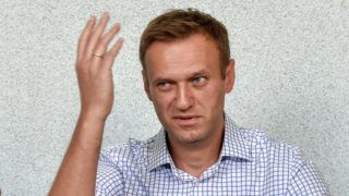 Russian opposition leader Alexei Navalny attends a hearing at a court in Moscow on June 24, 2019. - Alexei Navalny appears in court after taking part in unauthorized protest. (Photo by Vasily MAXIMOV / AFP)
