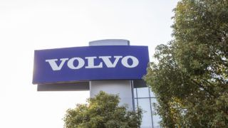 --FILE--View of a Volvo 4S dealership store in Shanghai, China, 23 March 2019.    With green growth gaining traction in China, Swedish manufacturing giant Volvo Group sees big opportunities from the country's efforts to embrace environmentally friendly transportation technologies and services.