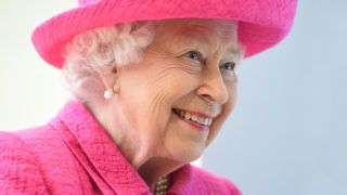 CAMBRIDGE, ENGLAND - JULY 09: Queen Elizabeth II during a visit to Royal Papworth Hospital on July 9, 2019 in Cambridge, England. (Photo by Joe Giddens - WPA Pool/Getty Images)