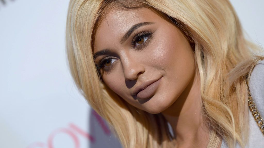 WEST HOLLYWOOD, CA - OCTOBER 12:  TV personality Kylie Jenner arrives at Cosmopolitan Magazine's 50th Birthday Celebration at Ysabel on October 12, 2015 in West Hollywood, California.  (Photo by Axelle/Bauer-Griffin/FilmMagic)