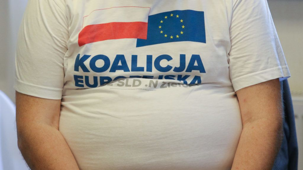 Obese man wearing the KO PO (Koalicja Europejska) t-shirt during the electoral meeting is seen in Tczew, Poland on 22 May 2019 Jaroslaw Walesa the son of the former President of Poland and Noblist Lech Walesa is a European Union Parliament member and candidate in upcoming EU elections from Koalicja Europejska (KO PO ) coalition. (Photo by Michal Fludra/NurPhoto)