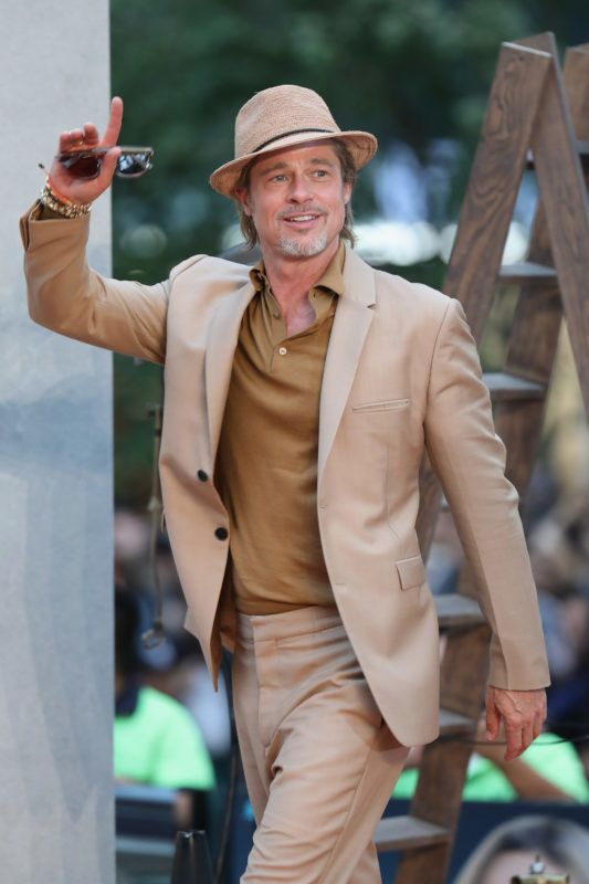 """MEXICO CITY, MEXICO - AUGUST 12:  Brad Pitt attends the """"Once Upon A Time In Hollywood"""" Mexico City premiere red carpet at Toreo Parque Central on August 12, 2019 in Mexico City, Mexico.  (Photo by Victor Chavez/Getty Images)"""