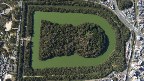 An aerial photo shows Daisen Kofun, another name Nintoku Tenno Ryo, in Sakai, Osaka on Oct.18, 2018. Imperial Household Agency and Sakai city announced on Oct.15 that they would excavate and research the Japan's biggest burial mound from late October to early December. Agency had been refusing to allow entering as 464,000 square meters Kofun is the Imperial Mausoleum of Emperors and Imperial family members and its tranquility and dignity must be maintained. It is the first excavational investigation with the External Organizations for the Agency.( The Yomiuri Shimbun )
