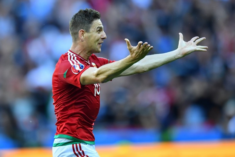 Hungary's Zoltan Gera celebrates after scoring the 1-0 lead goal during the UEFA Euro 2016 Group F soccer match between Hungary and Portugal at the Stade de Lyon in Lyon, France, 22 June 2016. Photo: Uwe Anspach/dpa (RESTRICTIONS APPLY: For editorial news reporting purposes only. Not used for commercial or marketing purposes without prior written approval of UEFA. Images must appear as still images and must not emulate match action video footage. Photographs published in online publications (whether via the Internet or otherwise) shall have an interval of at least 20 seconds between the posting.)