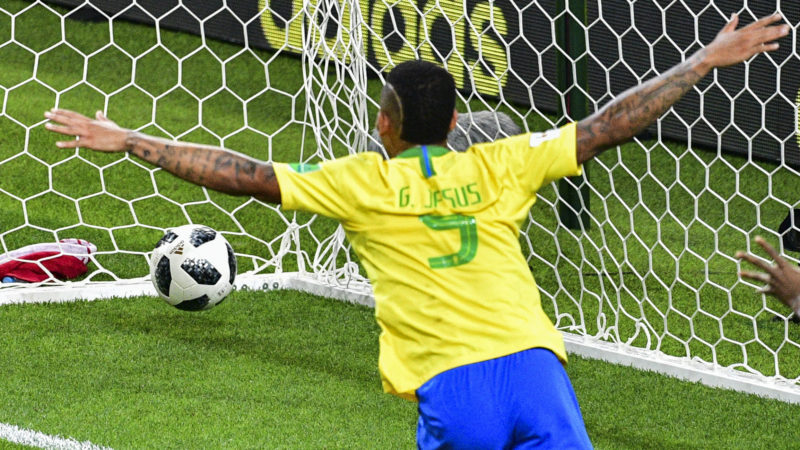 Brazil's forward Gabriel Jesus celebrates his team's second goal during the Russia 2018 World Cup Group E football match between Serbia and Brazil at the Spartak Stadium in Moscow on June 27, 2018. / AFP PHOTO / Mladen ANTONOV / RESTRICTED TO EDITORIAL USE - NO MOBILE PUSH ALERTS/DOWNLOADS