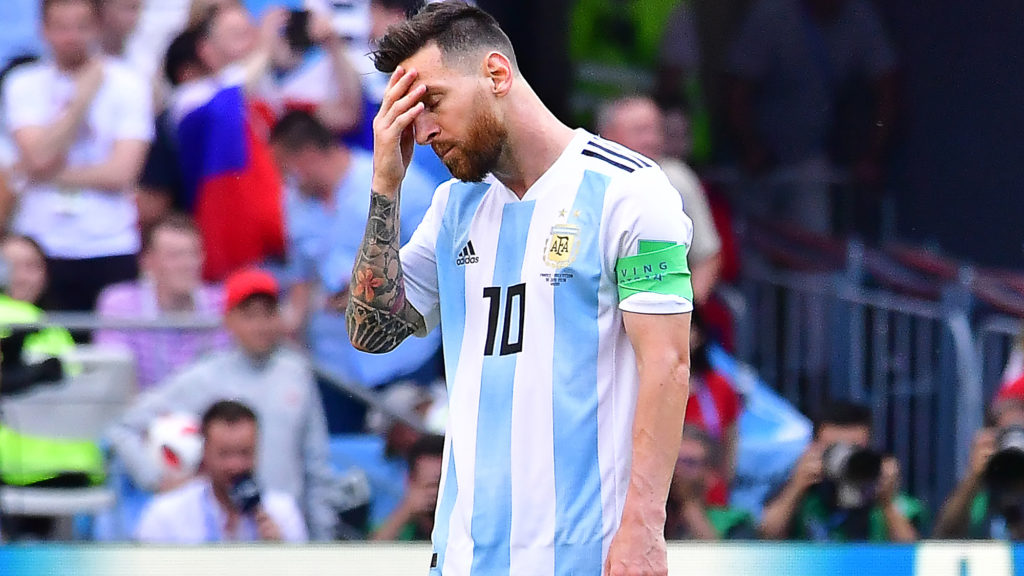 Argentina's forward Lionel Messi reacts to France's opener during the Russia 2018 World Cup round of 16 football match between France and Argentina at the Kazan Arena in Kazan on June 30, 2018. / AFP PHOTO / Luis Acosta / RESTRICTED TO EDITORIAL USE - NO MOBILE PUSH ALERTS/DOWNLOADS