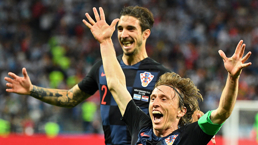 Croatia's midfielder Luka Modric celebrates after scoring their second goal during the Russia 2018 World Cup Group D football match between Argentina and Croatia at the Nizhny Novgorod Stadium in Nizhny Novgorod on June 21, 2018. / AFP PHOTO / Johannes EISELE / RESTRICTED TO EDITORIAL USE - NO MOBILE PUSH ALERTS/DOWNLOADS