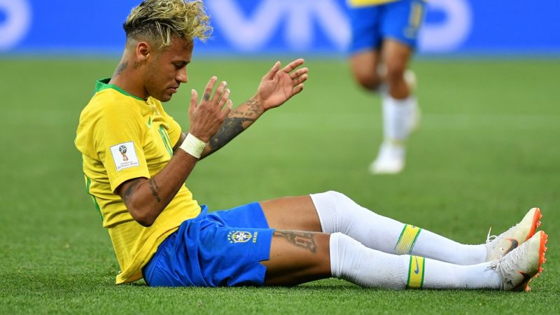 NEYMAR (BRA) am ground, disappointment, frustrated, disappointed, frustratedriert, dejected, action, single action, single image, cut out, full body, whole figure. Brazil (BRA) -Switzerland (SUI) 1-1, Preliminary Round, Group E, match 09, on 17.06.2018 in Rostov-on-Don, Rostov Arena. Football World Cup 2018 in Russia from 14.06. - 15.07.2018. | usage worldwide