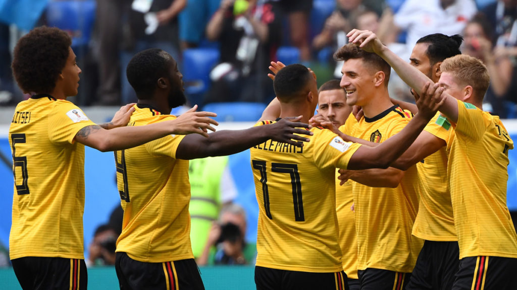 Belgium's defender Thomas Meunier (3rd R) is congratulated after scoring during their Russia 2018 World Cup play-off for third place football match between Belgium and England at the Saint Petersburg Stadium in Saint Petersburg on July 14, 2018. / AFP PHOTO / Paul ELLIS / RESTRICTED TO EDITORIAL USE - NO MOBILE PUSH ALERTS/DOWNLOADS