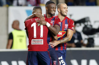 FELCSUT, HUNGARY - AUGUST 3: Ianique dos Santos Tavares 'Stopira' (L2) of Videoton FC celebrates the victory with Krisztian Tamas #25 of Videoton FC and Loic Nego #11 of Videoton FC after the UEFA Europa League Third Qualifying Round Second Leg match between Videoton FC and FC Girondins de Bordeaux at Pancho Arena on August 3, 2017 in Felcsut, Hungary. (Photo by Laszlo Szirtesi/Getty Images)