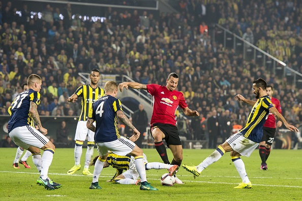 (L-R) Martin Skrtel of Fenerbahce,  Simon Kjaer of Fenerbahce, Hasan Ali Kaldirim of Fenerbahce, Josef de Souza Dias of Fenerbahce, Simon Kjaer of Fenerbahce, Hasan Ali Kaldirim of Fenerbahce, Zlatan Ibrahimovic of Manchester United FC, Mehmet Topal of Fenerbahceuring the UEFA Europa Leaguegroup A match between Fenerbahce and Manchester United on November 3, 2016 at the Sukru Saracoglu stadium in Istanbul, Turkey(Photo by VI Images via Getty Images)