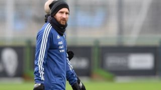 Argentina's forward Lionel Messi attends a team training session at the City Academy training complex in Manchester, north west England on March 20, 2018 ahead of their March 23 international friendly football match against Italy at the Ethiad Stadium. / AFP PHOTO / Anthony Devlin