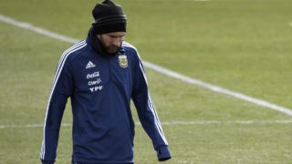 Argentina's forward Lionel Messi attends a training session in Madrid on March 25, 2018 ahead of an international friendly football match between Spain and Argentina. / AFP PHOTO / GABRIEL BOUYS